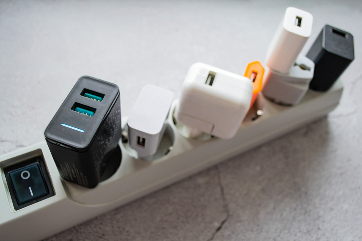 Running Modern Extension Power Strip With Many Dif 9tzkjwq
